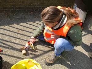 Onderhoud Stolpersteine door Scouts 2019